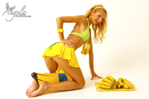 Angela Blanche - Fruit Kiss Banana