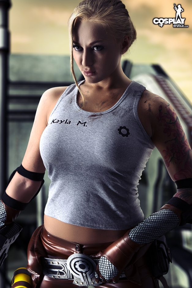 Gears of War Cosplay with Kayla Green