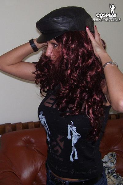 MeaLee in Wig