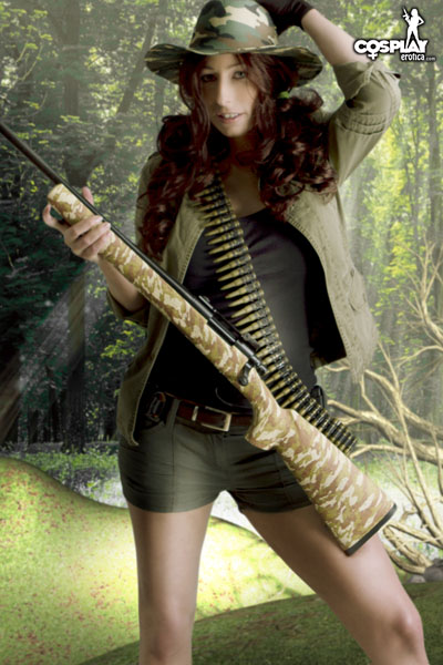 SandyBell_The_Hunter_by_CosplayErotica_03