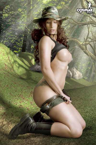 SandyBell_The_Hunter_by_CosplayErotica_35