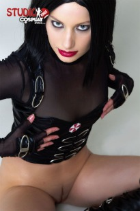 Marylin_Resident_Evil_Retribution_by_CosplayErotica_04