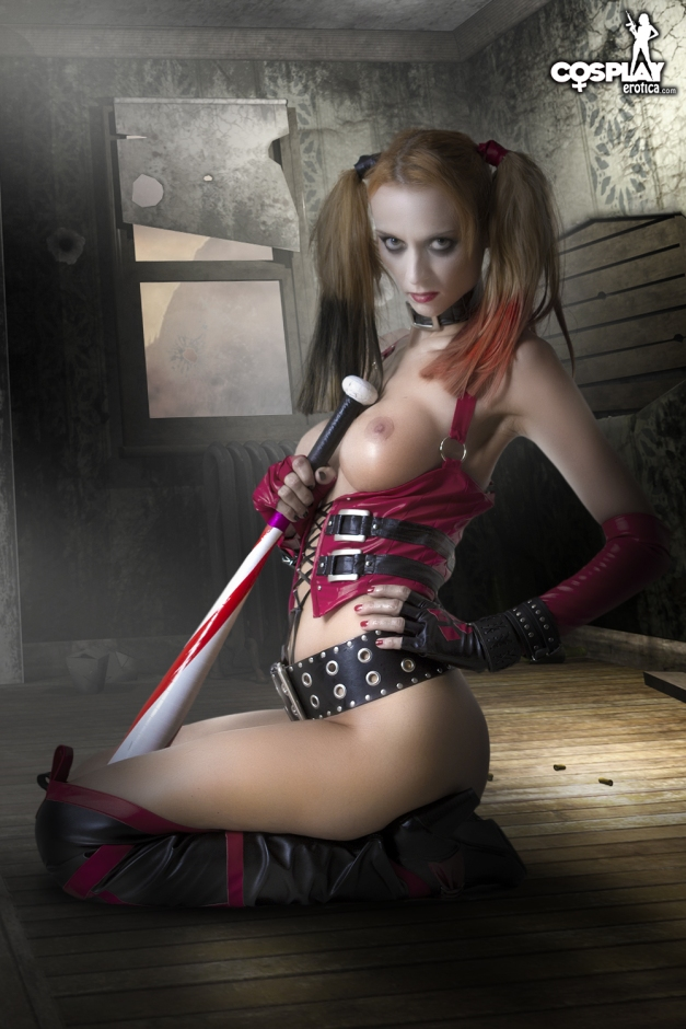 Harley Quinn_by_cosplayerotica_2
