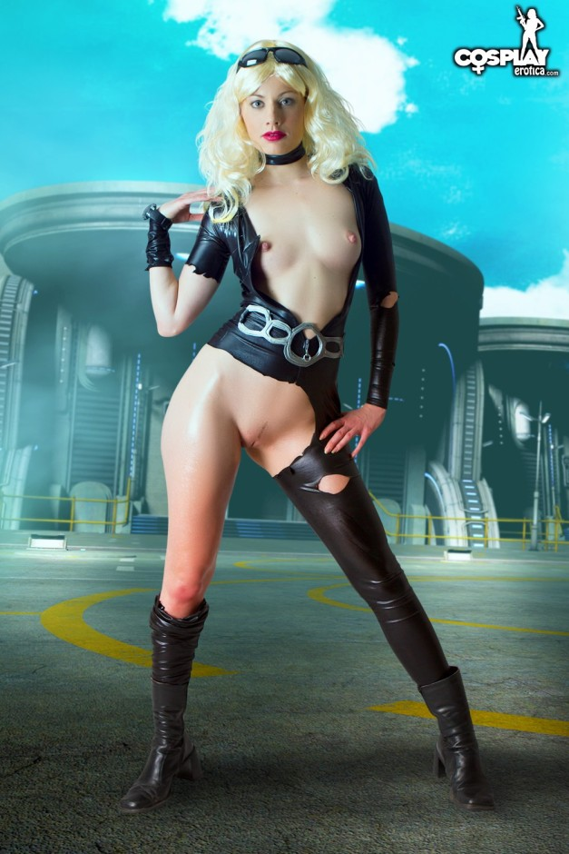Marylin as Jula by CosplayErotica