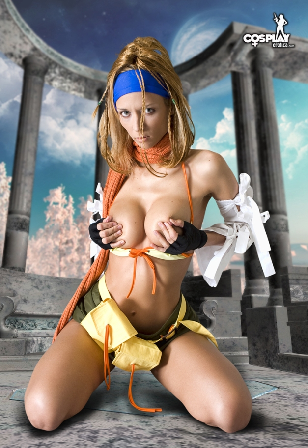 Lana Cosplaying Rikku