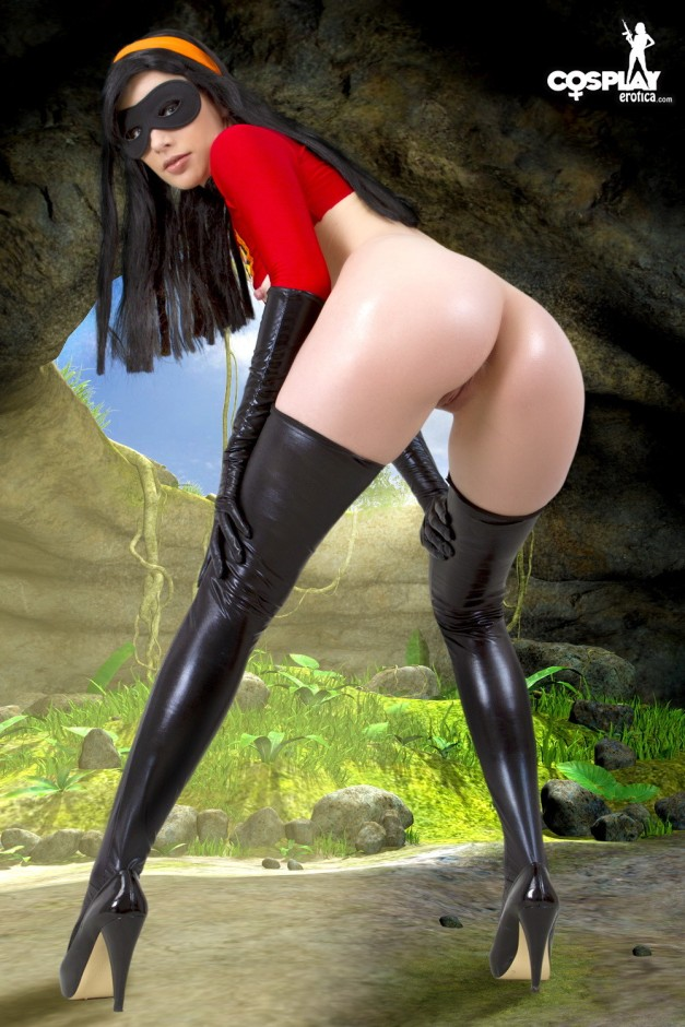 The_Incredibles_Violet_Parr_cosplay_cosplayerotica